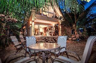 Aloha Villa 4BD Near Beach Aloha Villa 4BD Near Beach
