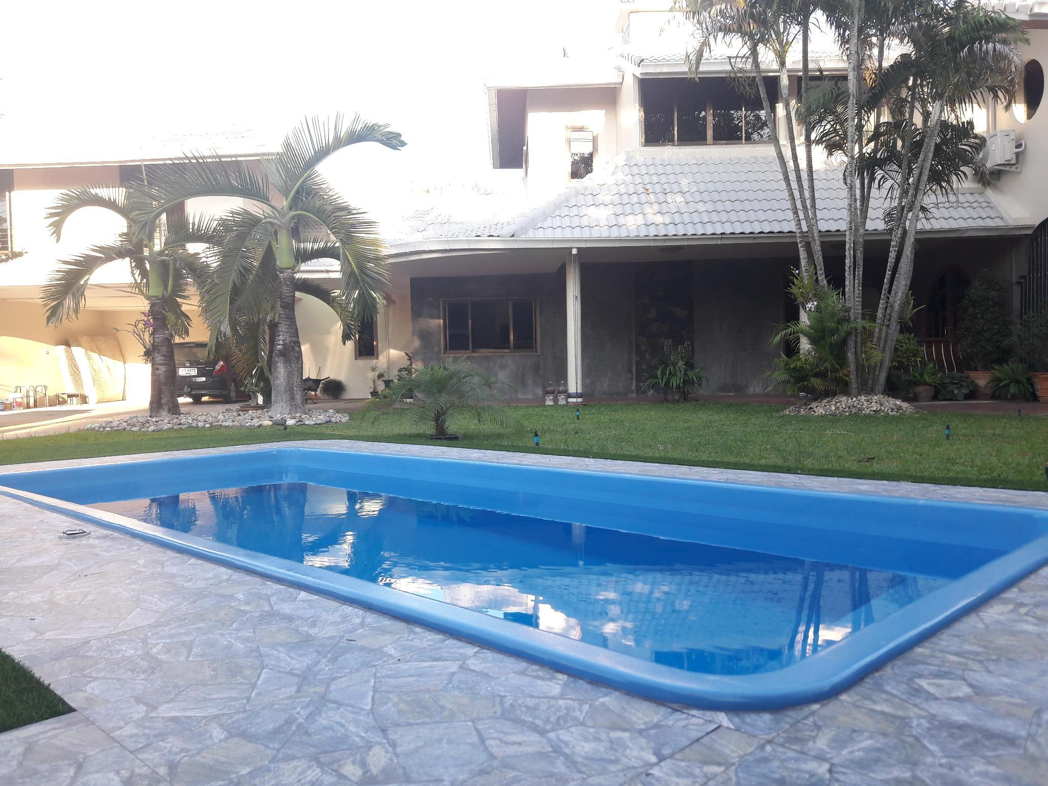 Family Home 4double Bedroom With Pool+Free Pick Up