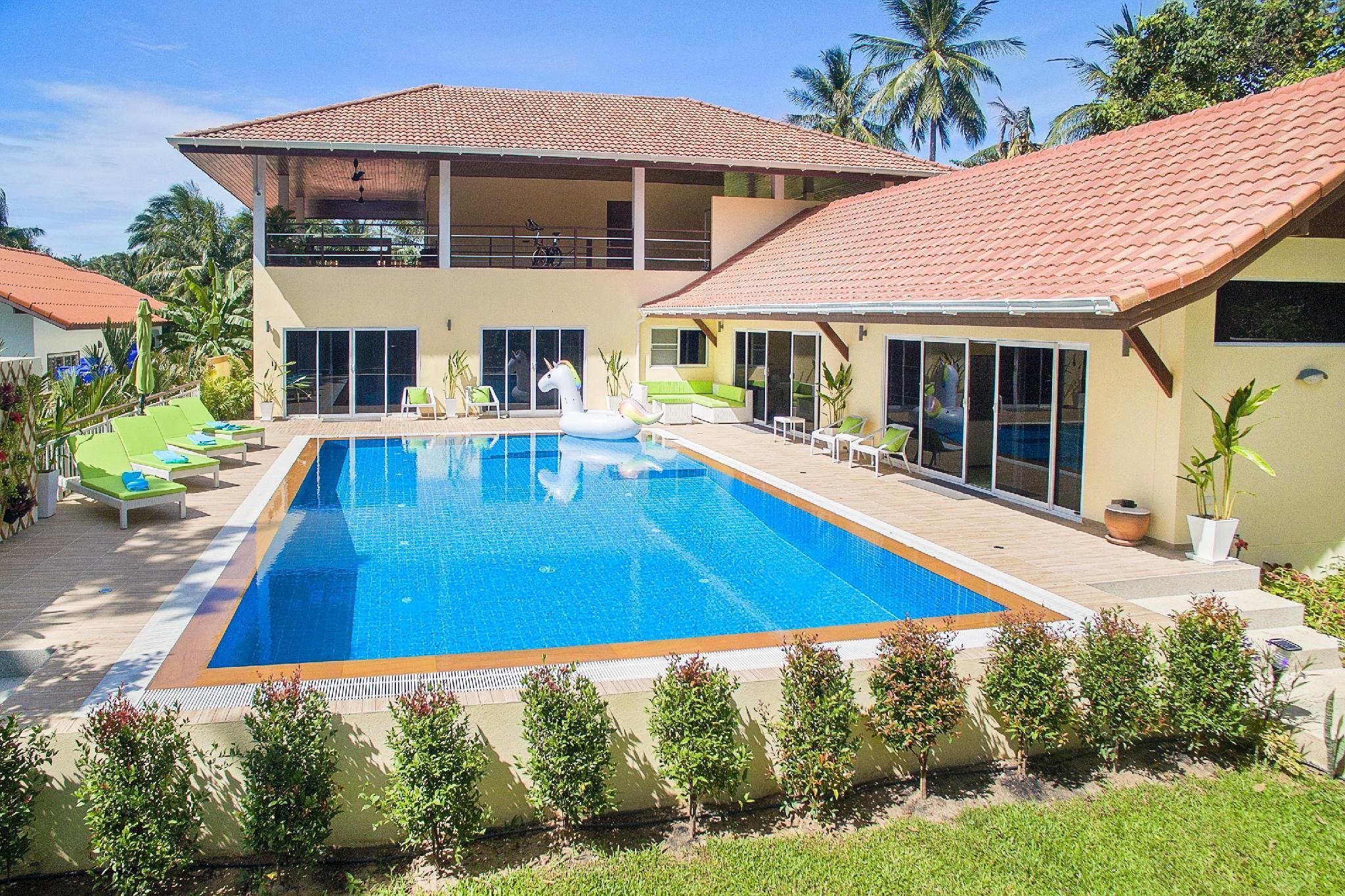 VILLA BY EMILY Spacious Garden Pool Villa