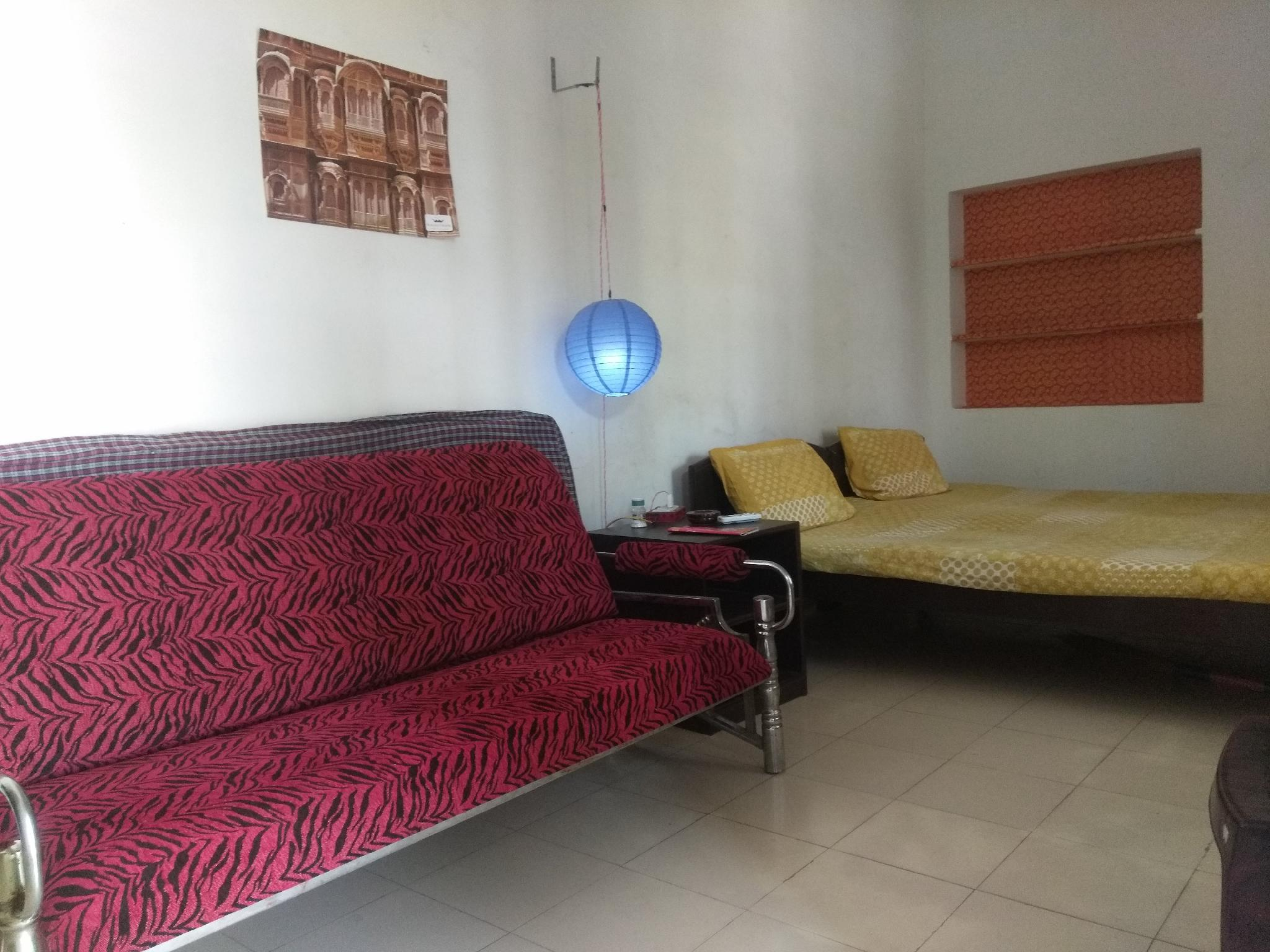 Nadya Homestay AC Suit ROOM For Female Only