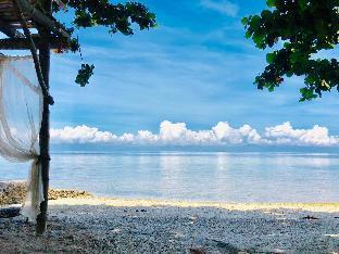 picture 3 of Carolina del Mar beach front  villas in Samboan.
