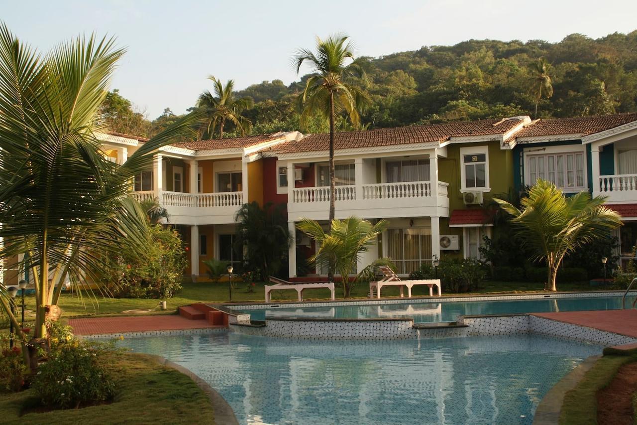 Riverside Villa In Siolim