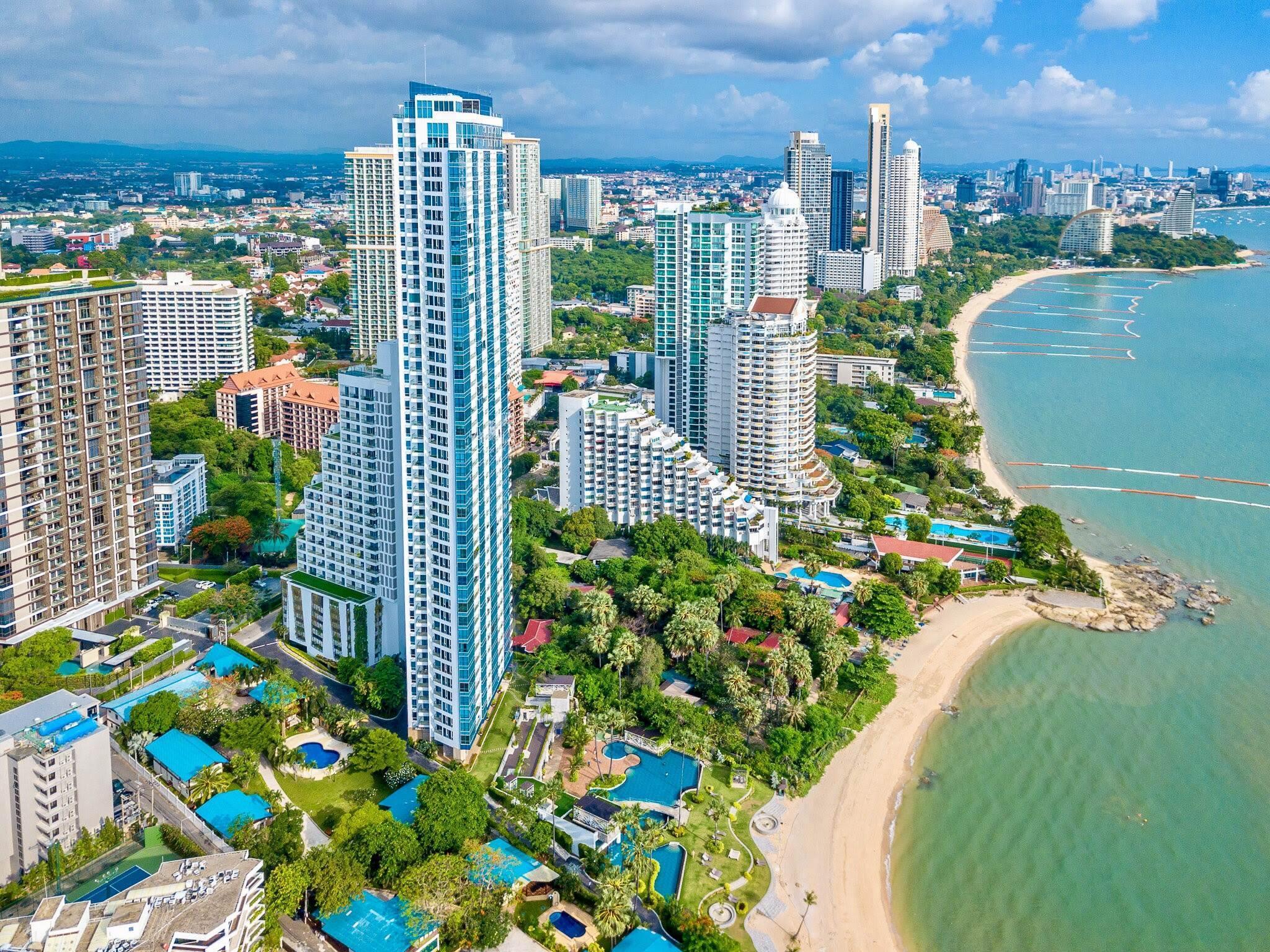 Fantastic Sea Views And High Floor @ Palm WongAmat