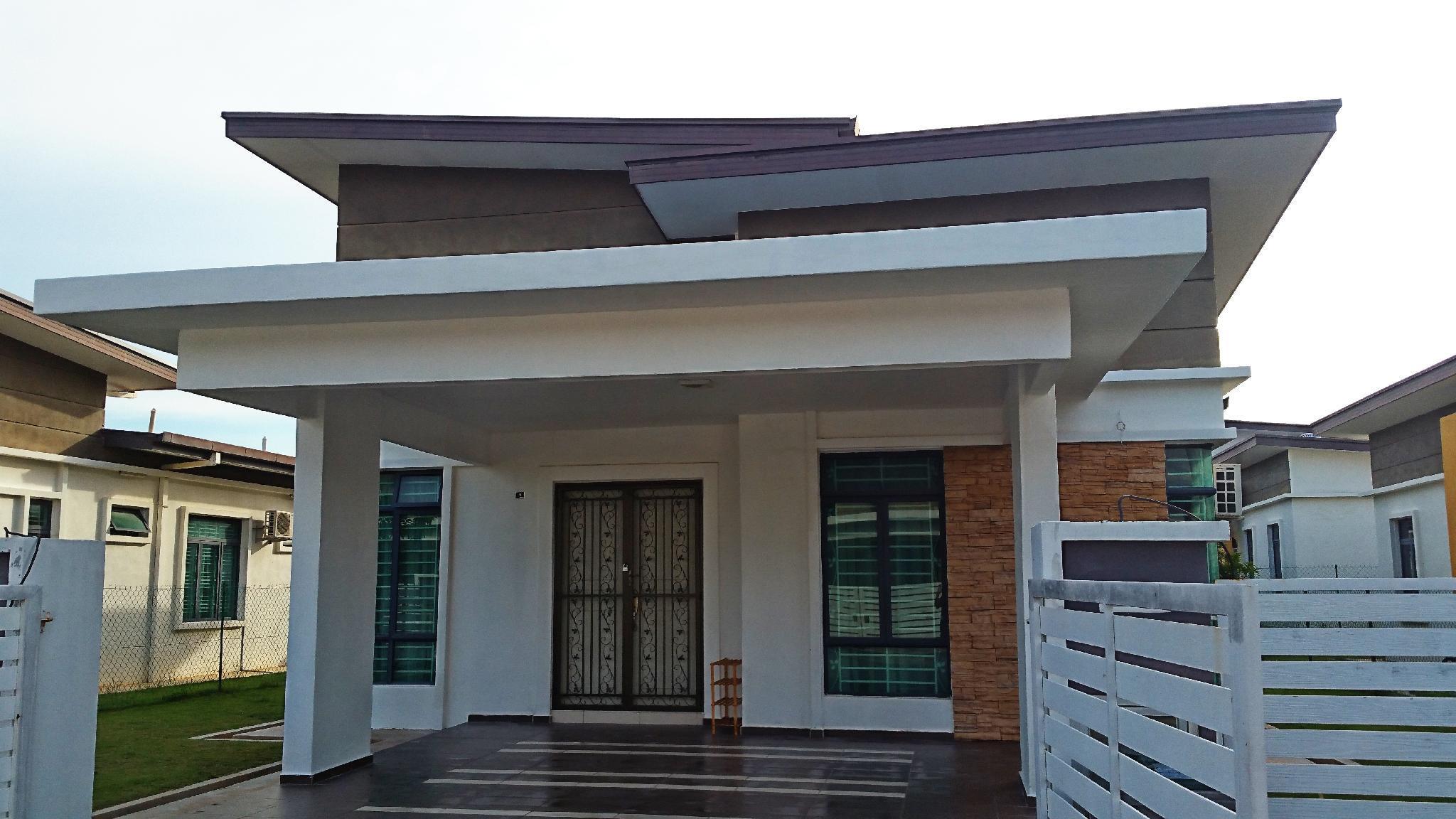 4 AC Rooms Bungalow With Wifi Near Stadium H.Jebat