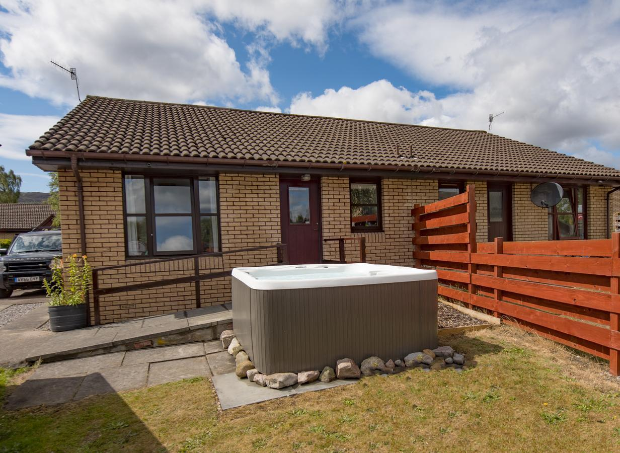 Grannies Hoose Self Catering Aviemore With Hot Tub