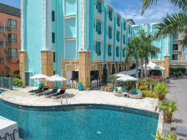 South Beach Resort   5 Star 20 BR Next to Beach Pattaya