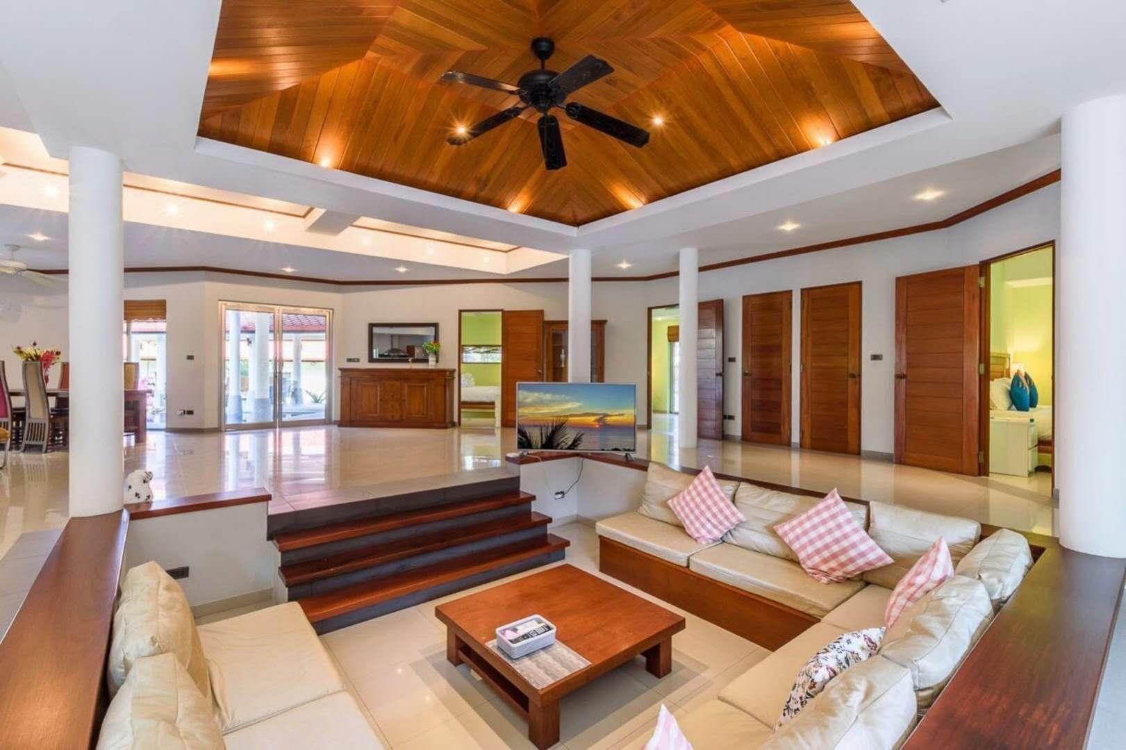 普吉岛luxury Thai style pool villa Phuket วิลลา 5 ห้องนอน 4 ห้องน้ำส่วนตัว ขนาด 900 ตร.ม. – หาดราไวย์