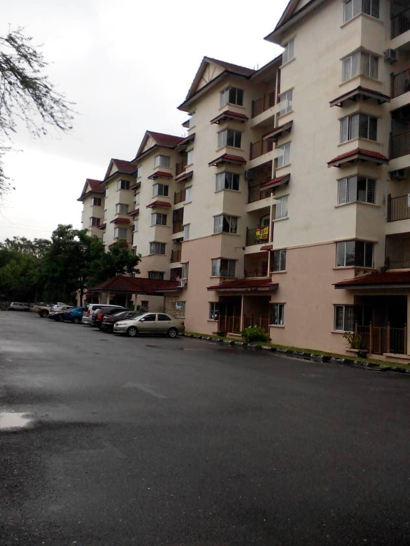 3 Bedroom Tropicana Apartment Bukit Merah Laketown