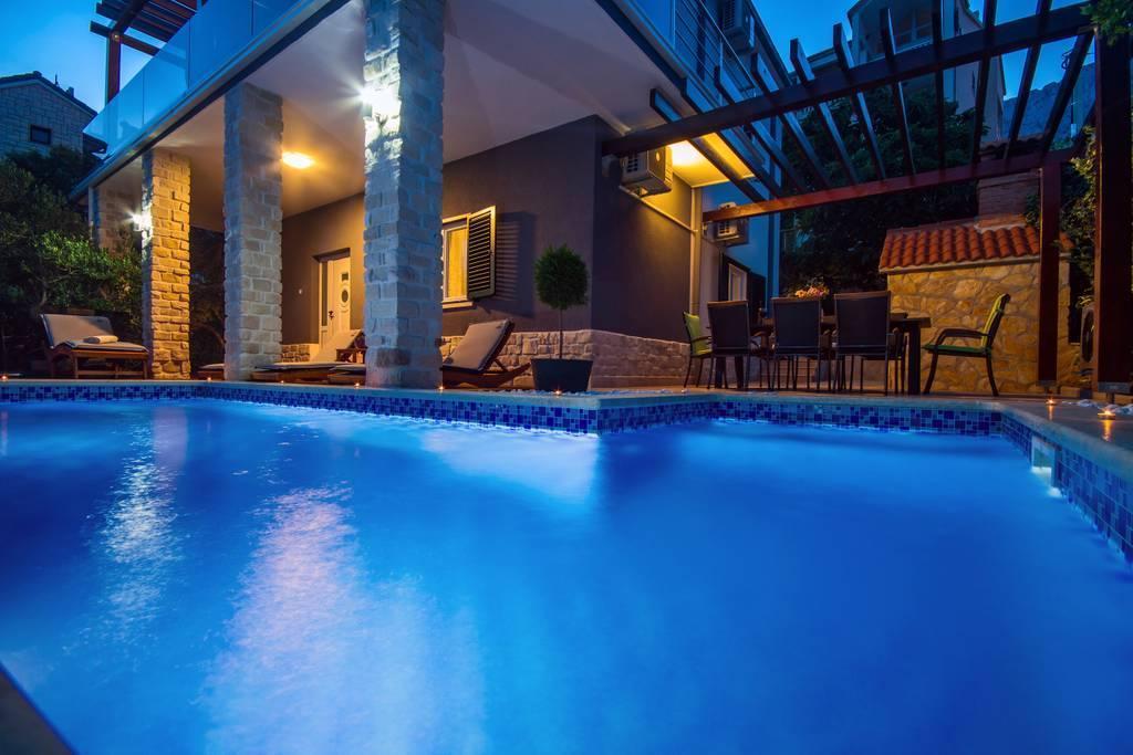 Villa Jasmina With Heated Pool And Peaceful Area