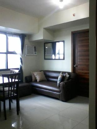 picture 1 of SaphiraBree 1BR Suites@Horizons 101