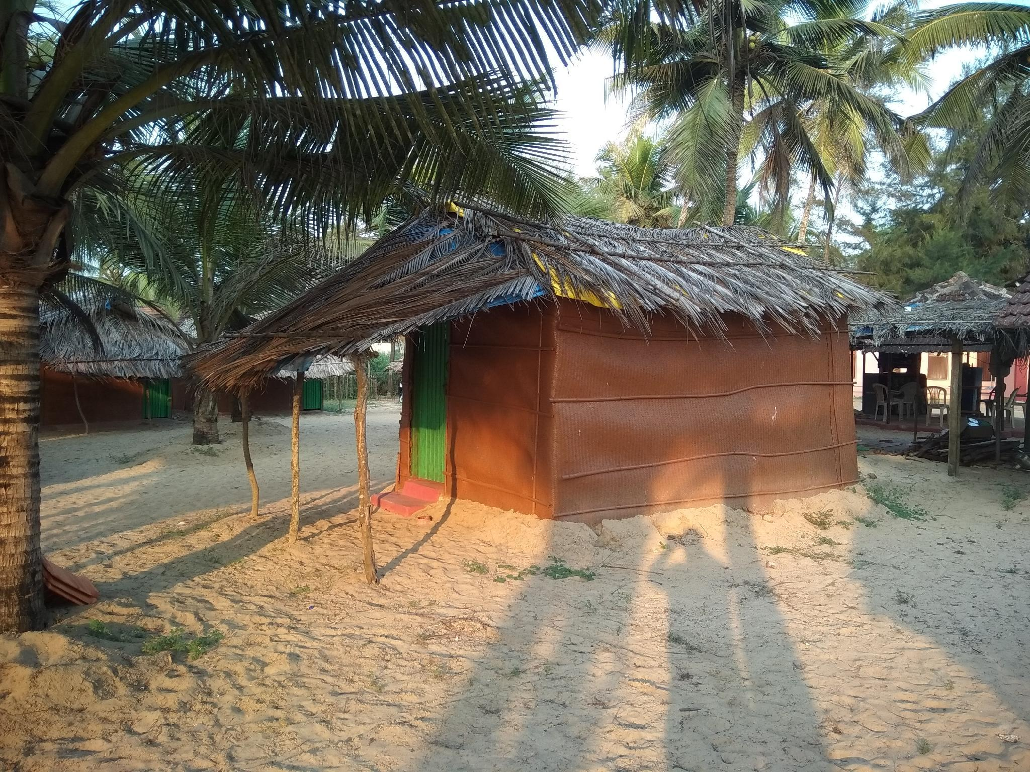 CoCo Huts Adjacent To Benaulim Beach