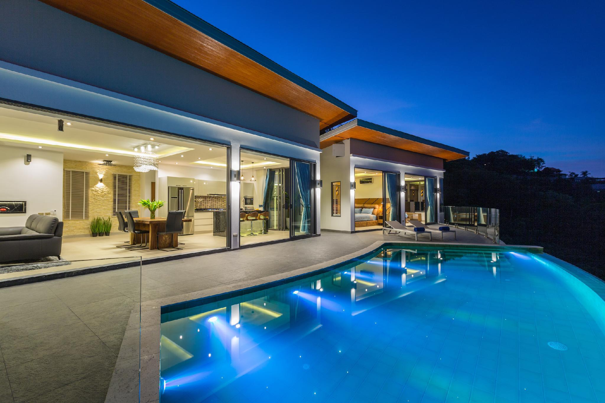 Awesome Tranquil Villa Victoria