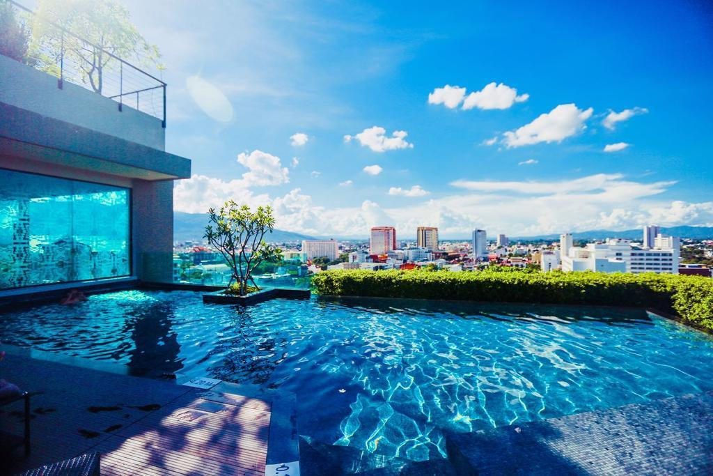 Luxury Astra Condo With Superb Stay Experience