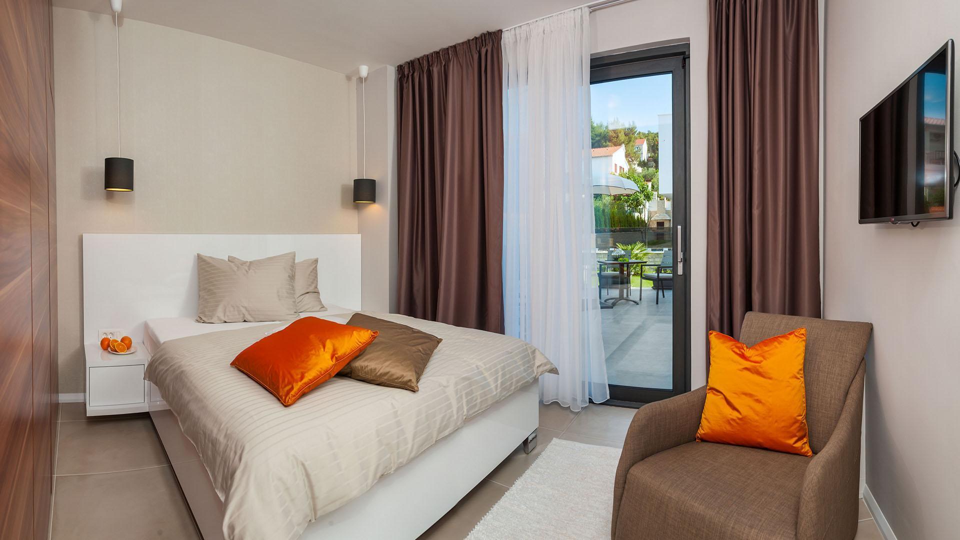 Modern 5 Star Villa Rose With Pool   EOS CROATIA