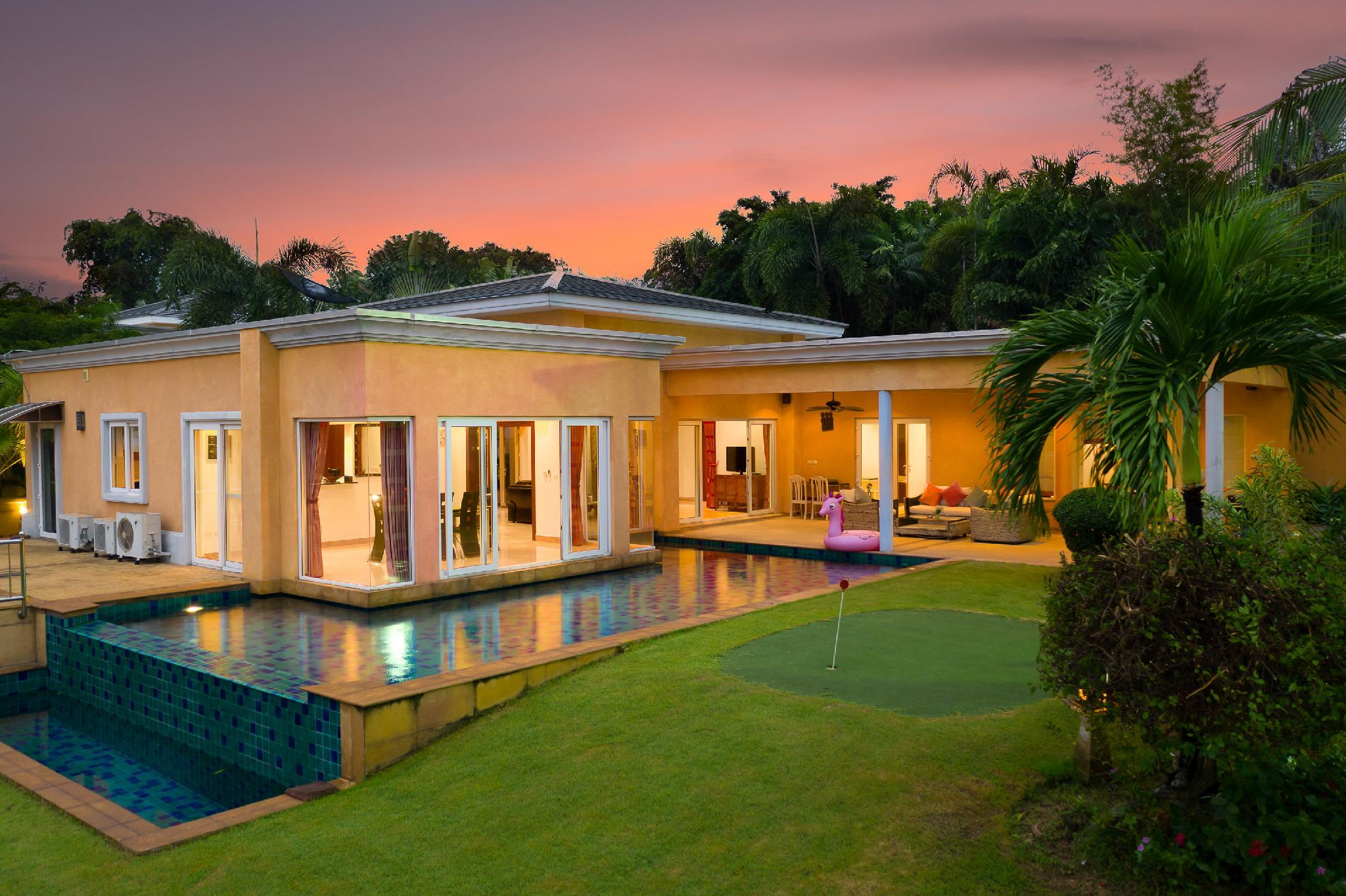 Boutique Luxury Golf And Pool Villa