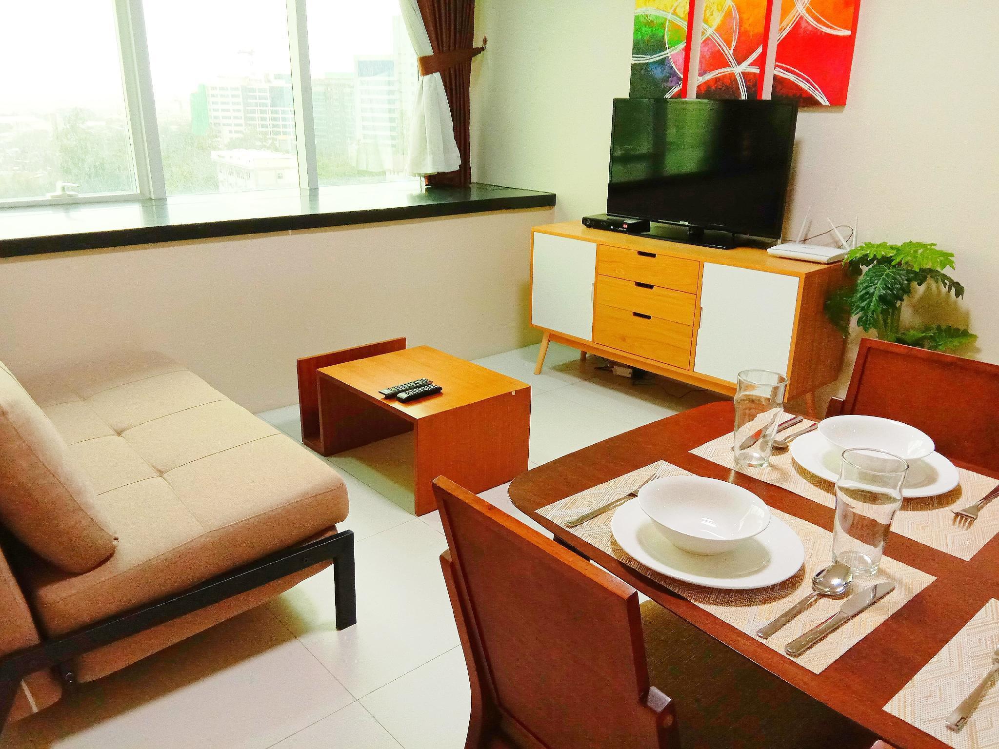 Sky View Suite Padgett Place 1007