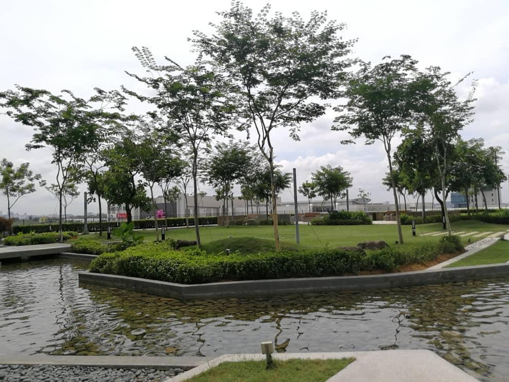 2@Trefoil Setia Alam 2pax@Comfy  1min To City Mall