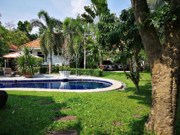 Stunning Guesthouse with pool and peace garden Hua Hin