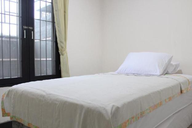 Lidah Lokal Singaraja Family Room
