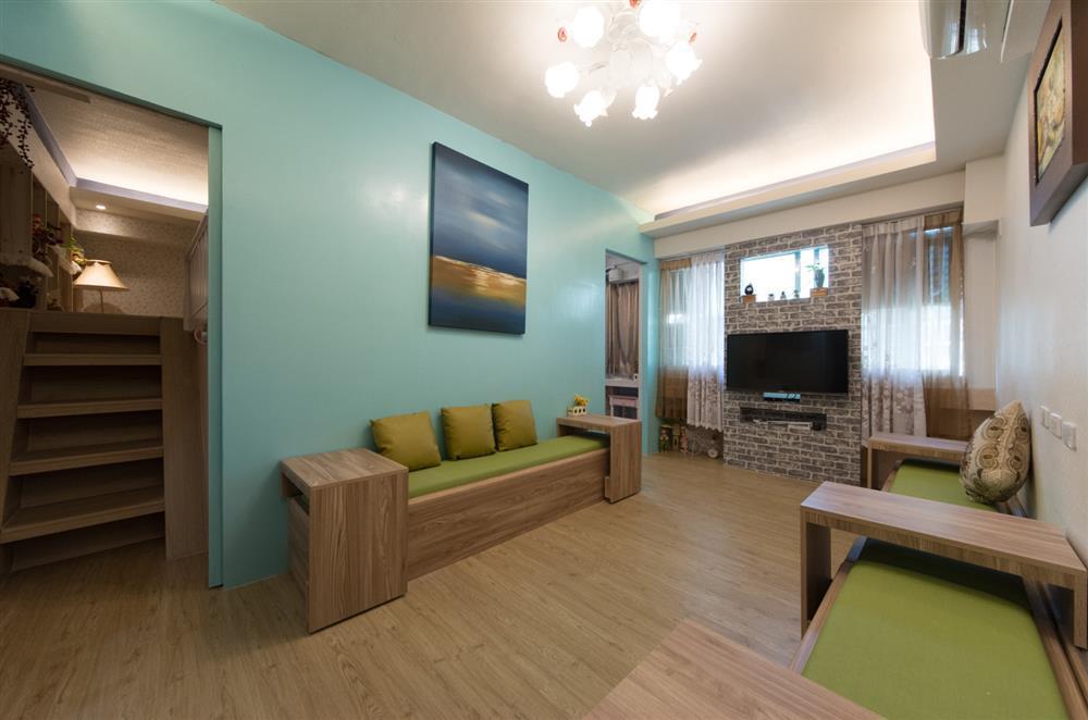 Warm 2 bedroom, 1 living room, 8 person room