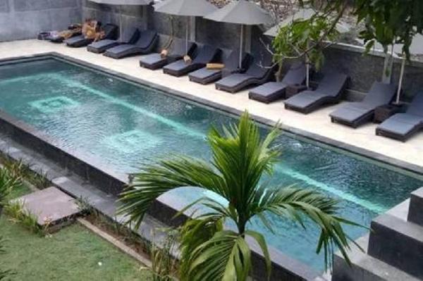 Romantic Cottage nearest the Beach of Mushroom Bay Bali