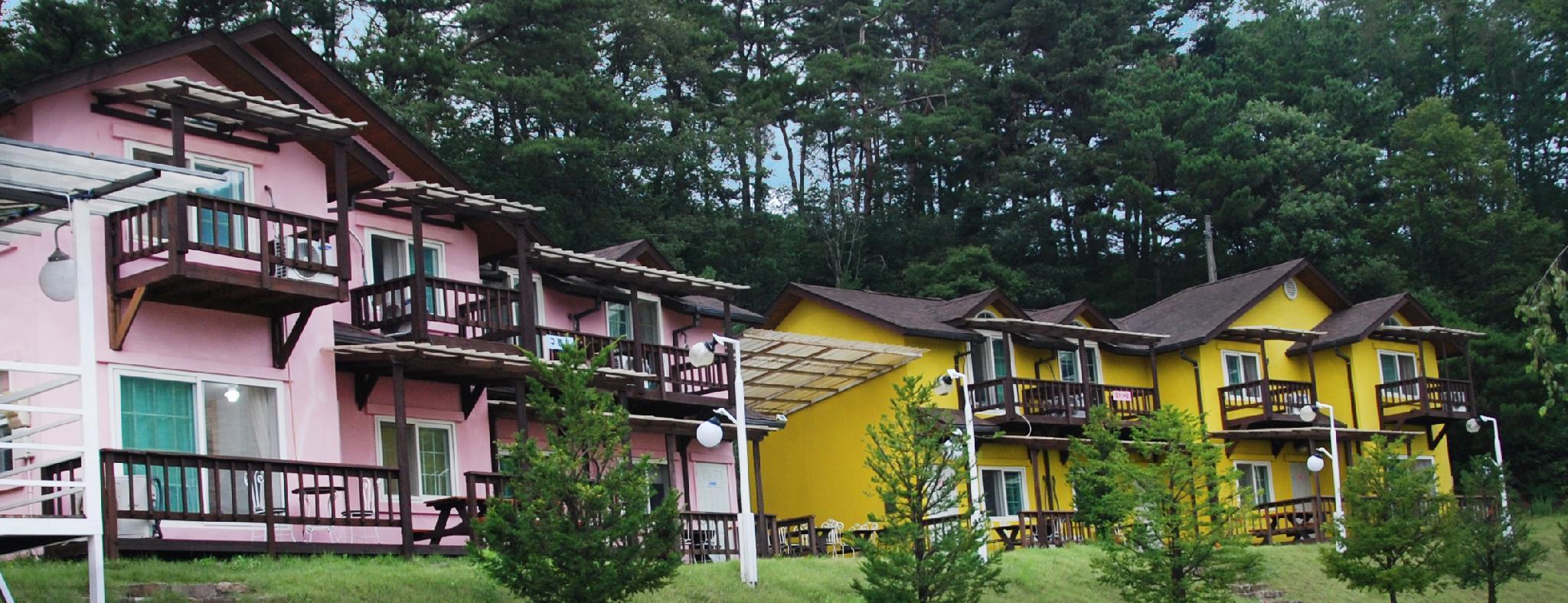 Danyang Mountain Pension