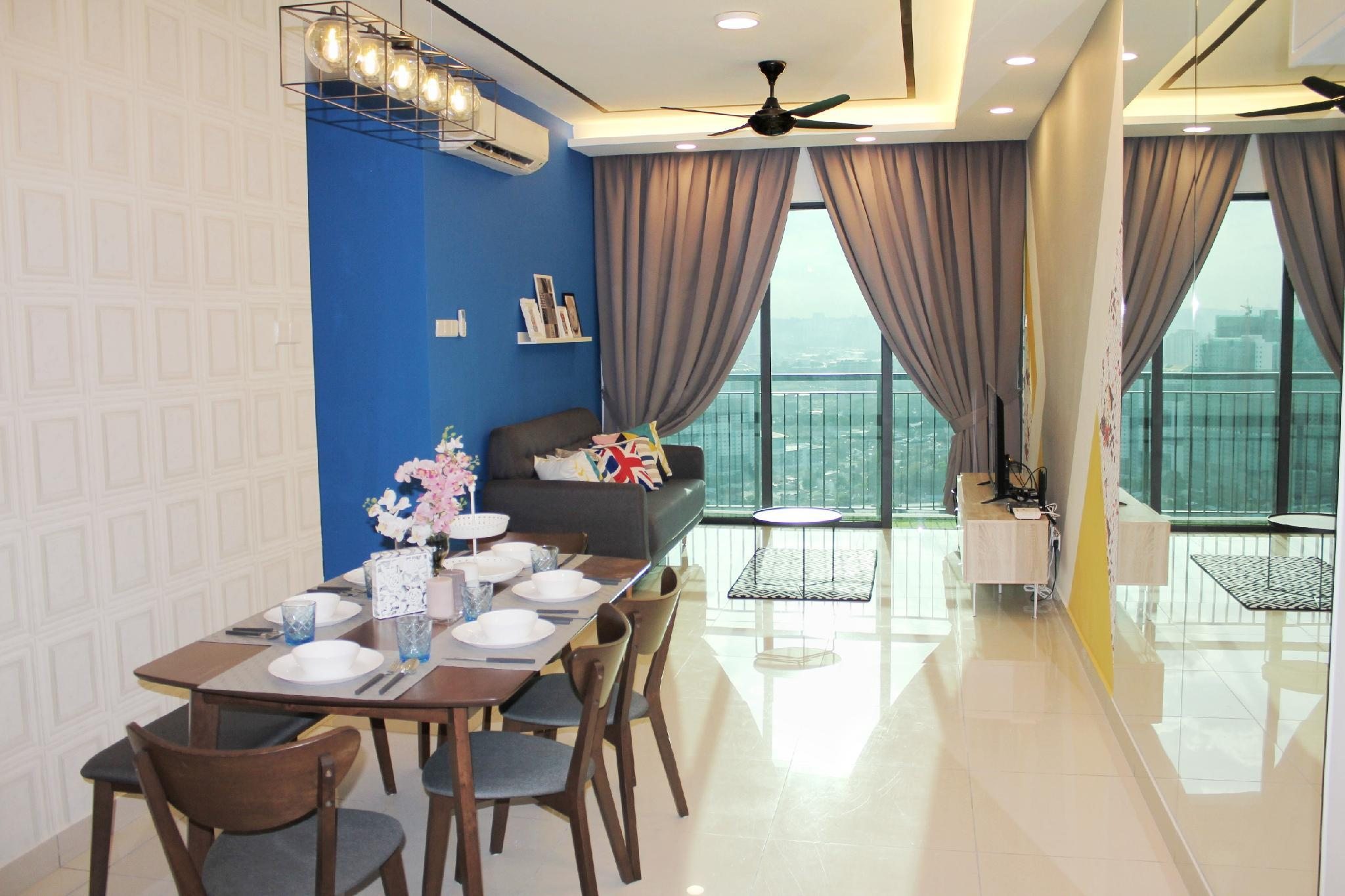 Contemporary Cozy Home@KL  4 8pax  8 Min To KLCC