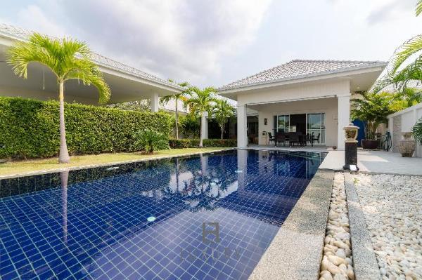Private Pool Villa With 3 Bedrooms L67 Hua Hin