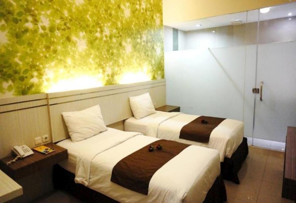 Twin Room At Jl. Dr. Cipto