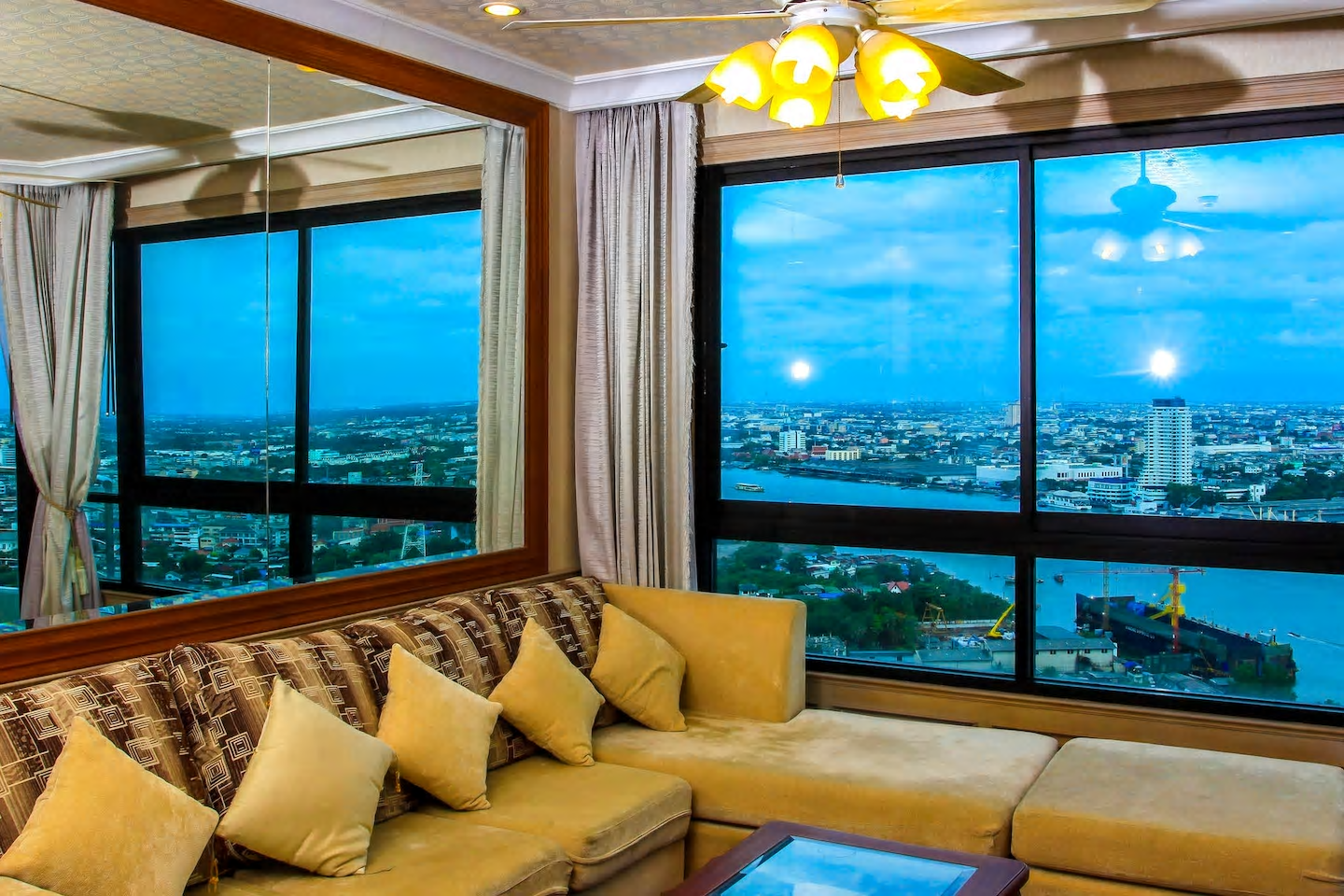 RIVERFRONT 2BR WITH AMAZING VIEW NEAR ASIATIQUE