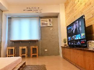 picture 1 of A P2499 Industrial Japanese Condo w/55 TV,NETFLIX