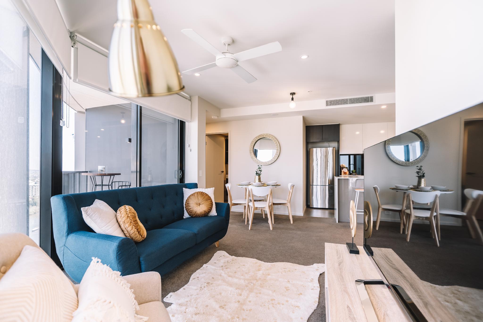 Stylish & Luxurious BNE Apartment W  Amazing Views