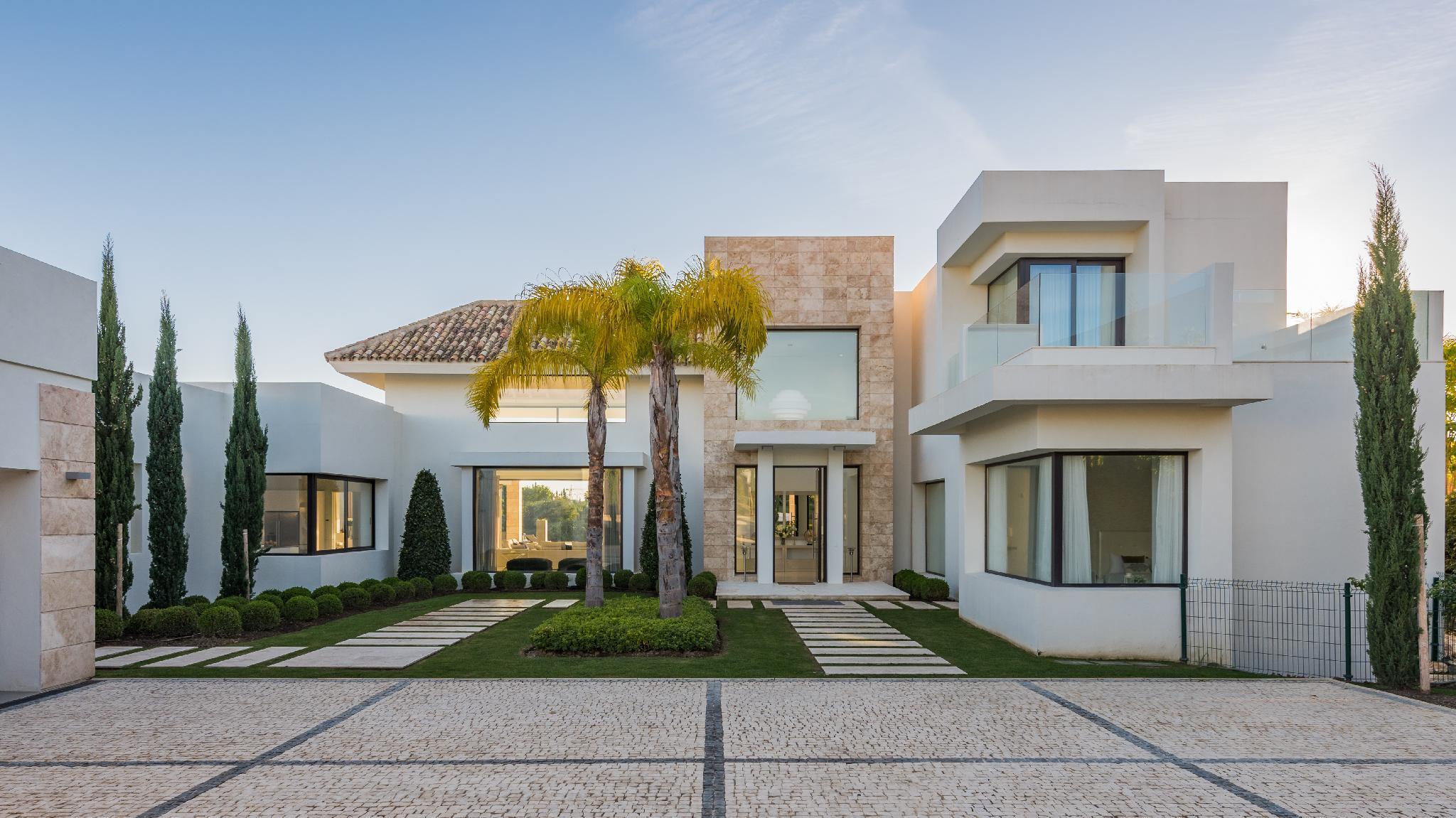 7 Bedrooms Villa Yasmin In Los Flamingos Golf