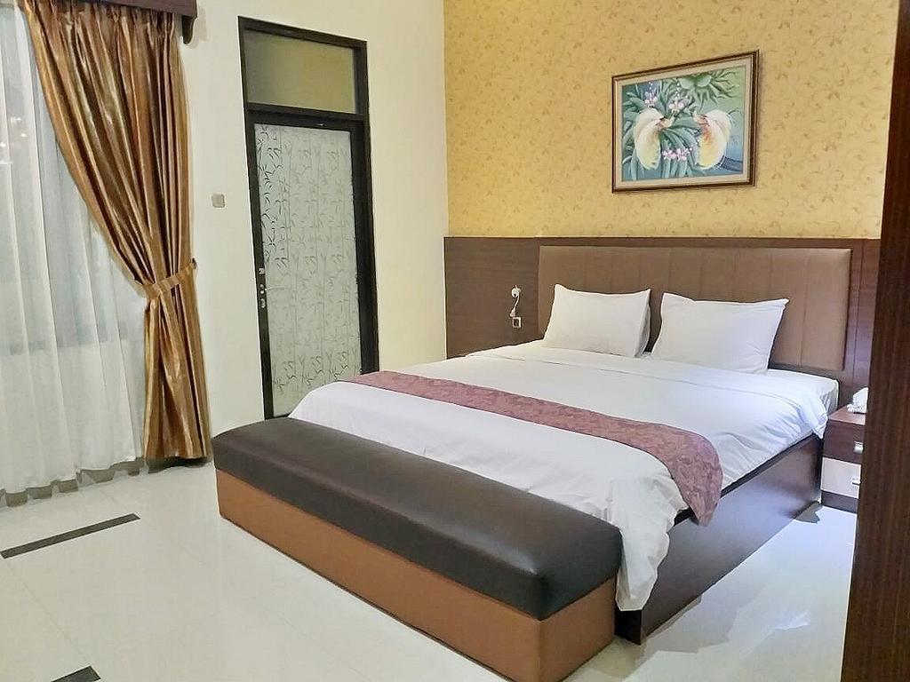 Deluxe Double Room At Zam Zam Batu Malang