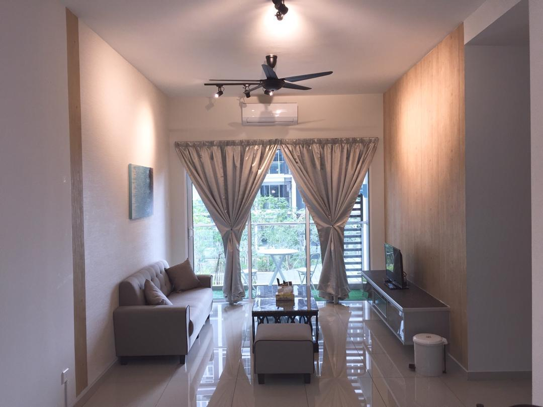 Parkland Residence Triple D Home Stay Pool View