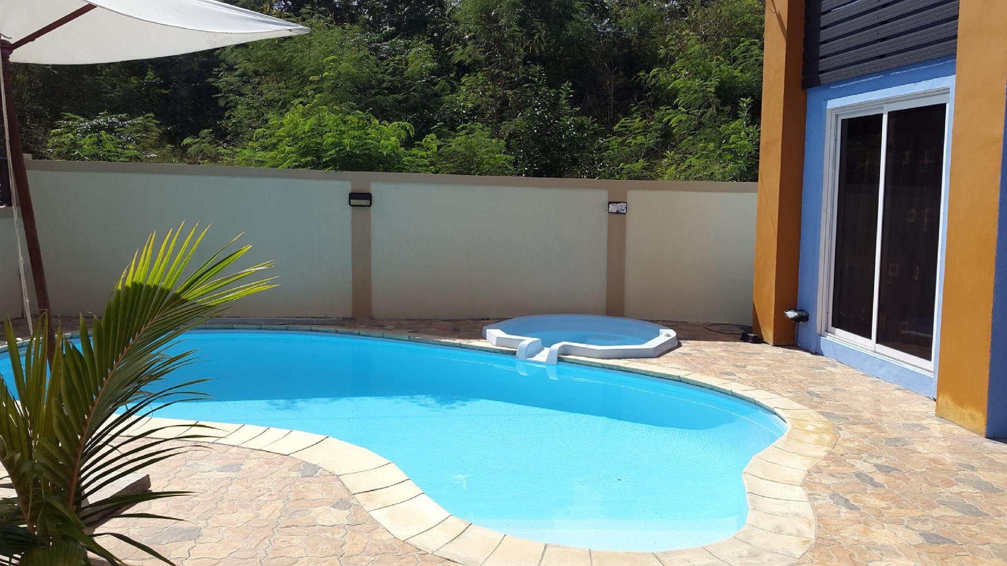 Private Blue Villa 4mn From The Beach For 12p