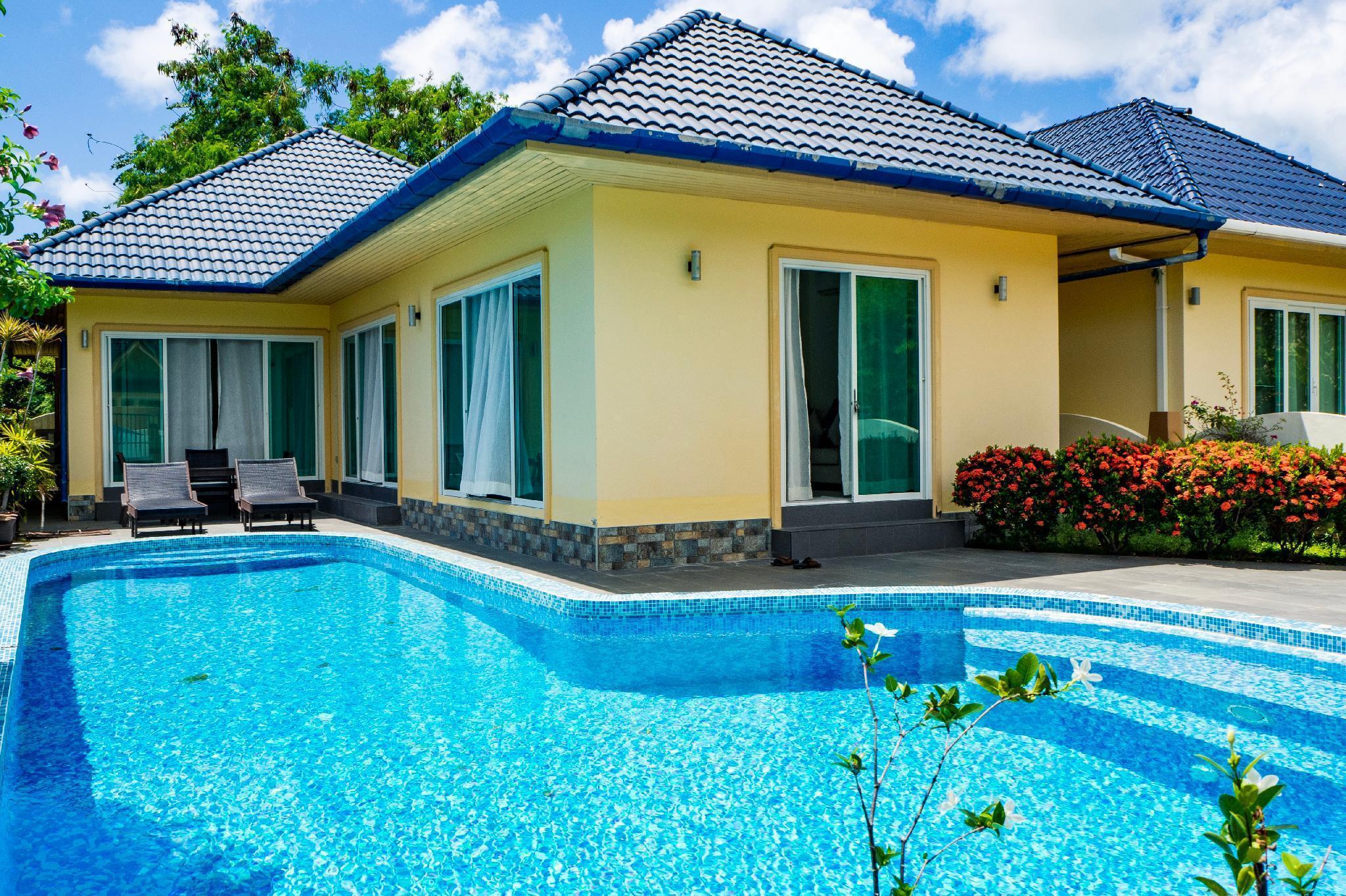 Villa Tanya, 3 Bed with Private Pool & Jacuzzi บ้านเดี่ยว 3 ห้องนอน 3 ห้องน้ำส่วนตัว ขนาด 250 ตร.ม. – หาดราไวย์