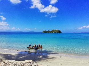 picture 2 of Acuario Beach Inn