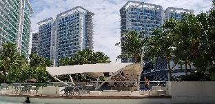 picture 1 of Experience Resort living in an urban center