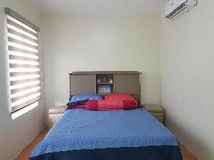 picture 1 of Feel at Home in Cozy & Spacious Townhouse w/ Pool