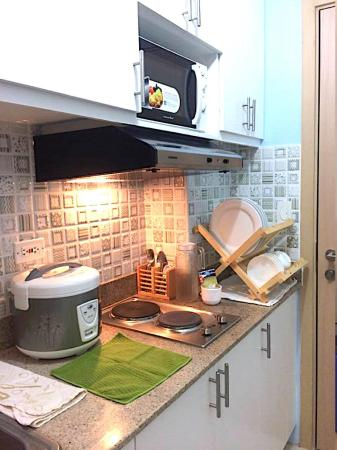 1-BR CONDO FOR RENT AT FIELD RESIDENCES (ROOM #4) Manila
