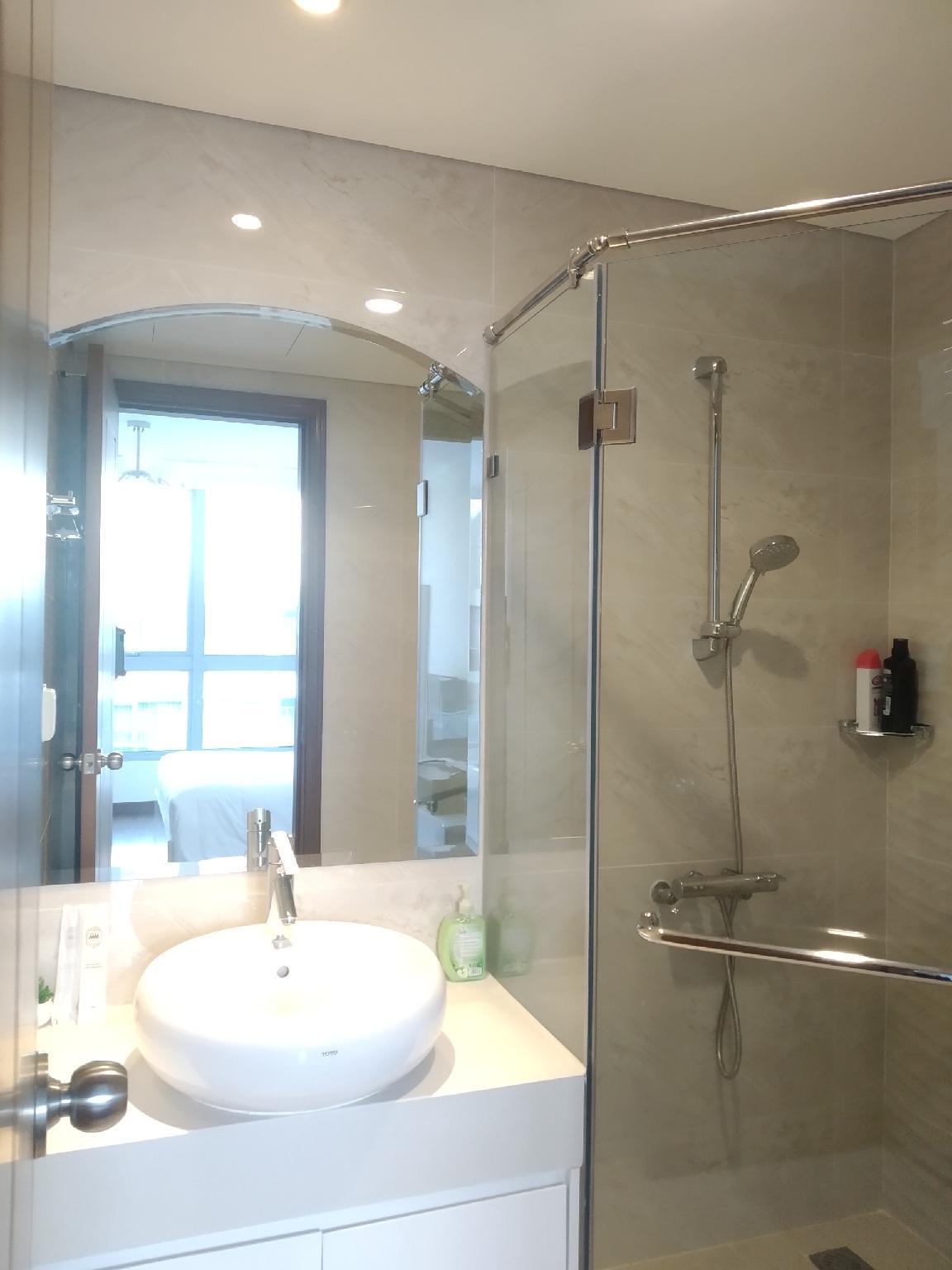 Vinhomes Apartment 2BR  Free Pool & Gym  Selena