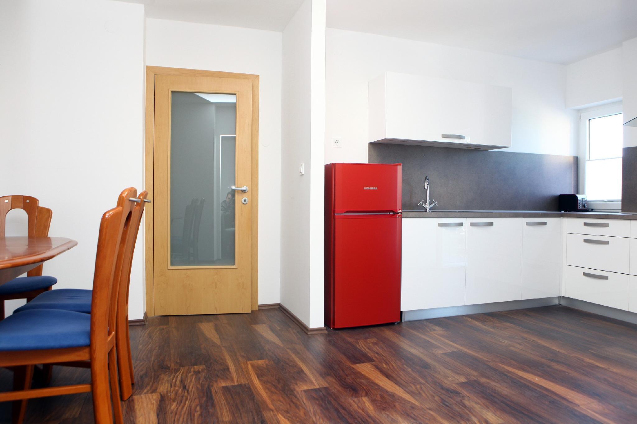 Three Bedroom Holiday Apartment KS4