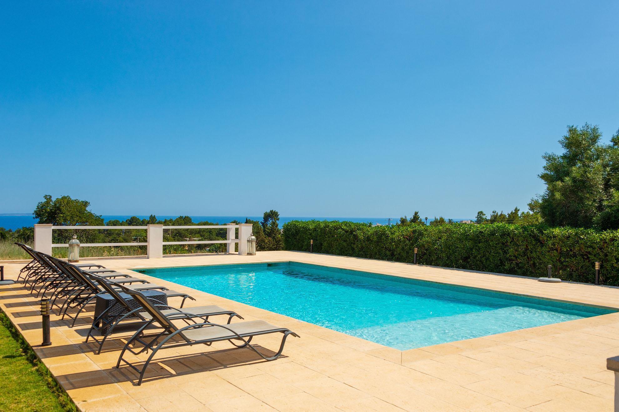 Villa con Vista al Mar en Es Cubells