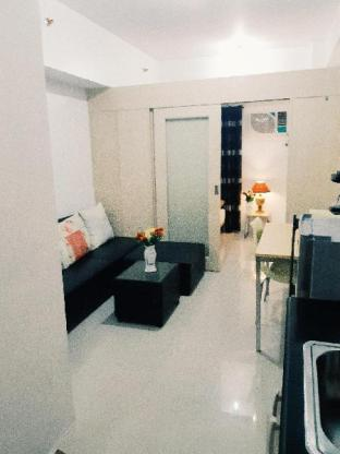 picture 1 of Affordable stay-cation at the heart of Mandaluyong