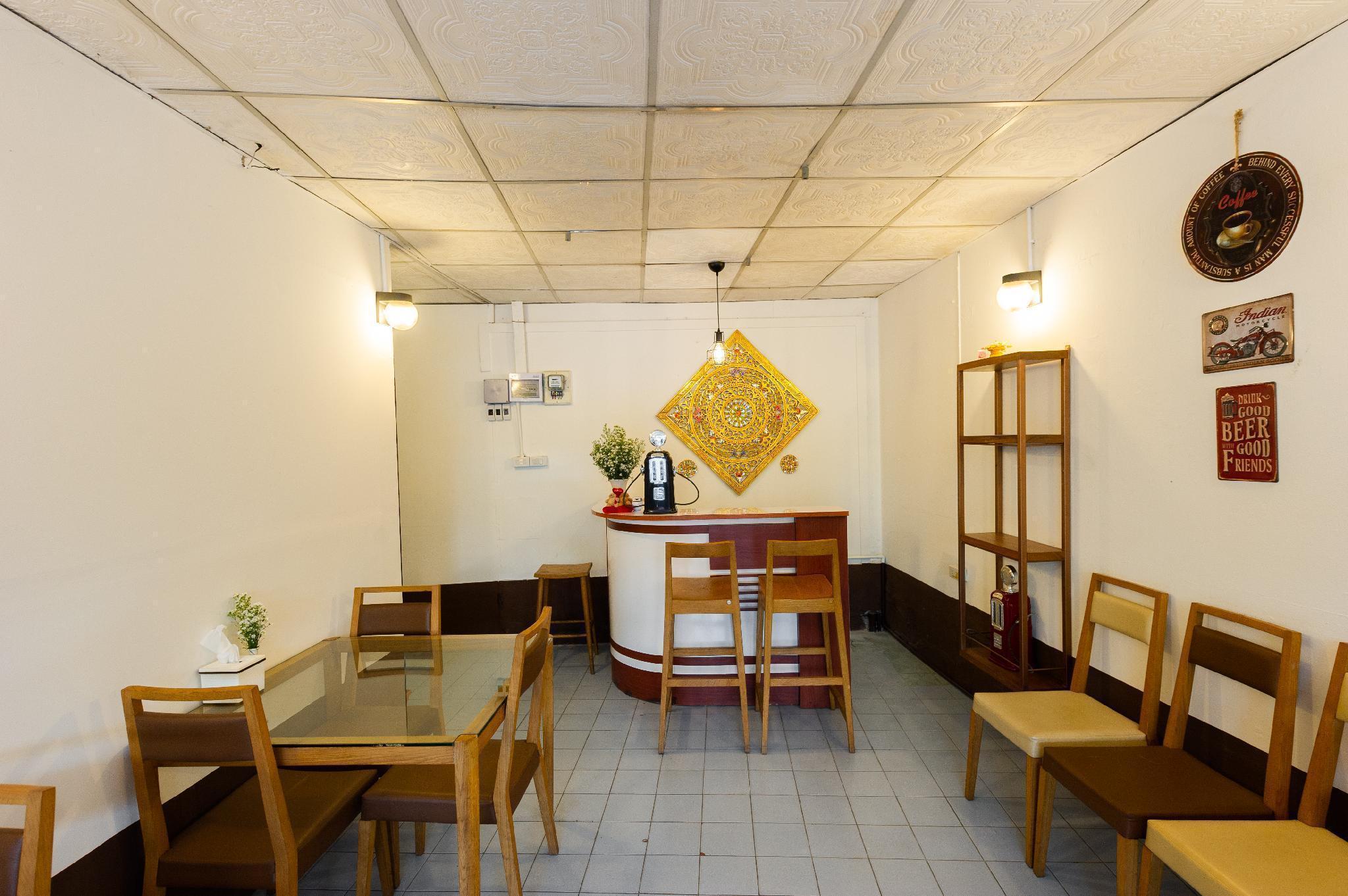 Go Hostel Thapae walking street Chiangmai อพาร์ตเมนต์ 1 ห้องนอน 1 ห้องน้ำส่วนตัว ขนาด 100 ตร.ม. – เขตเมืองเก่า