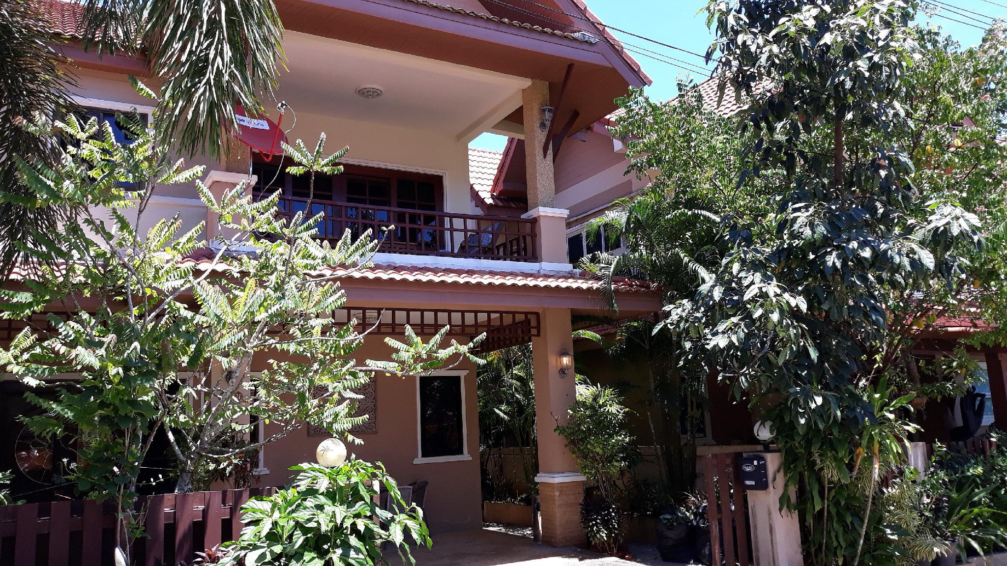 Superb And Very Spacious Villa With Communal Pool