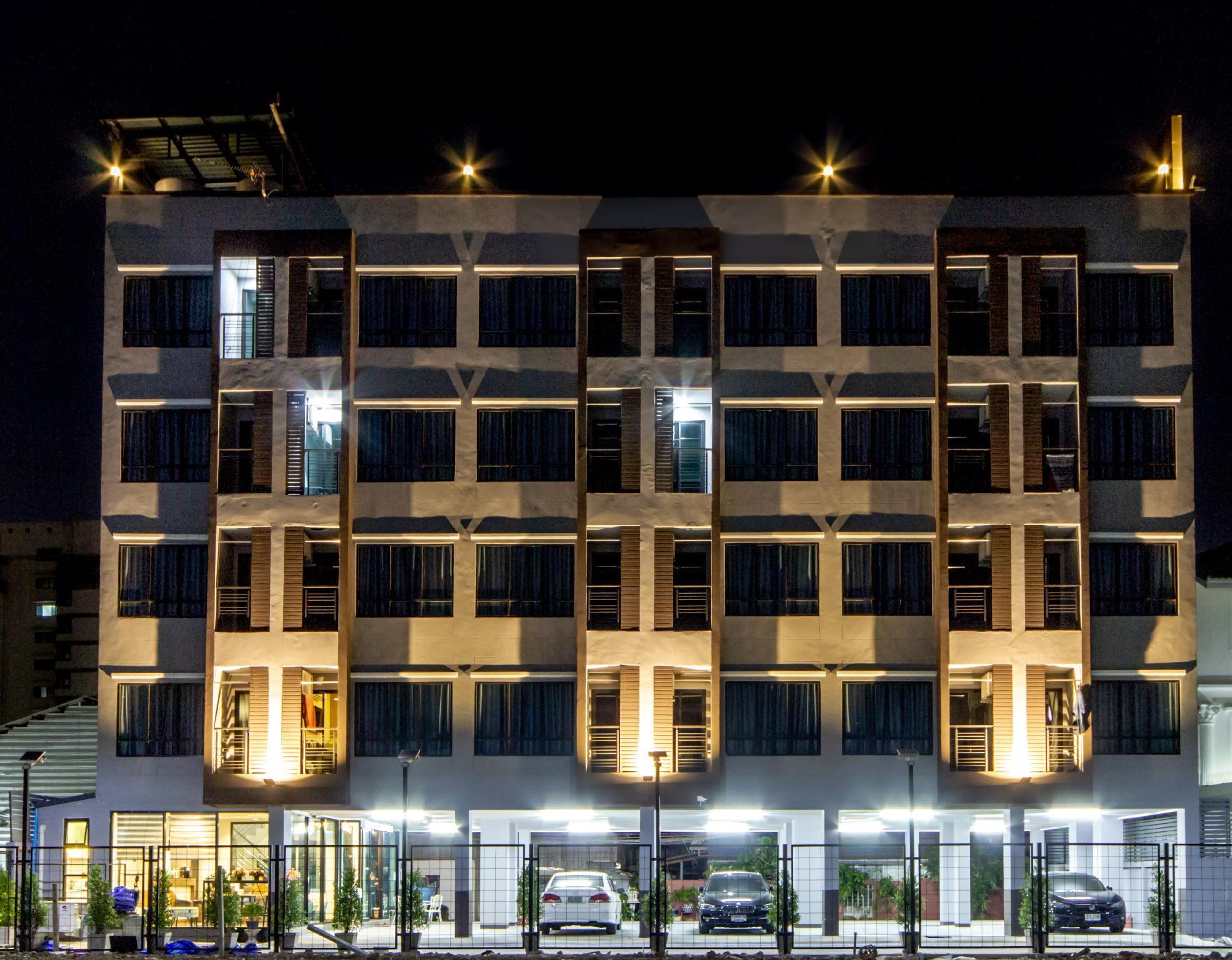 Newroom Deluxe Plearnwan Near Lat Phrao MRT Sta.