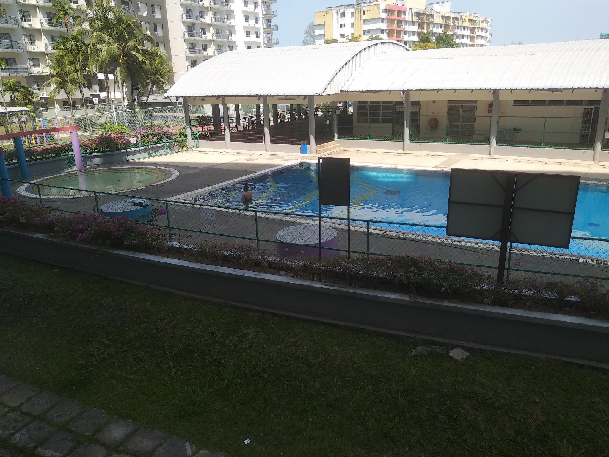 Ummie Marina View Condo Pool View.