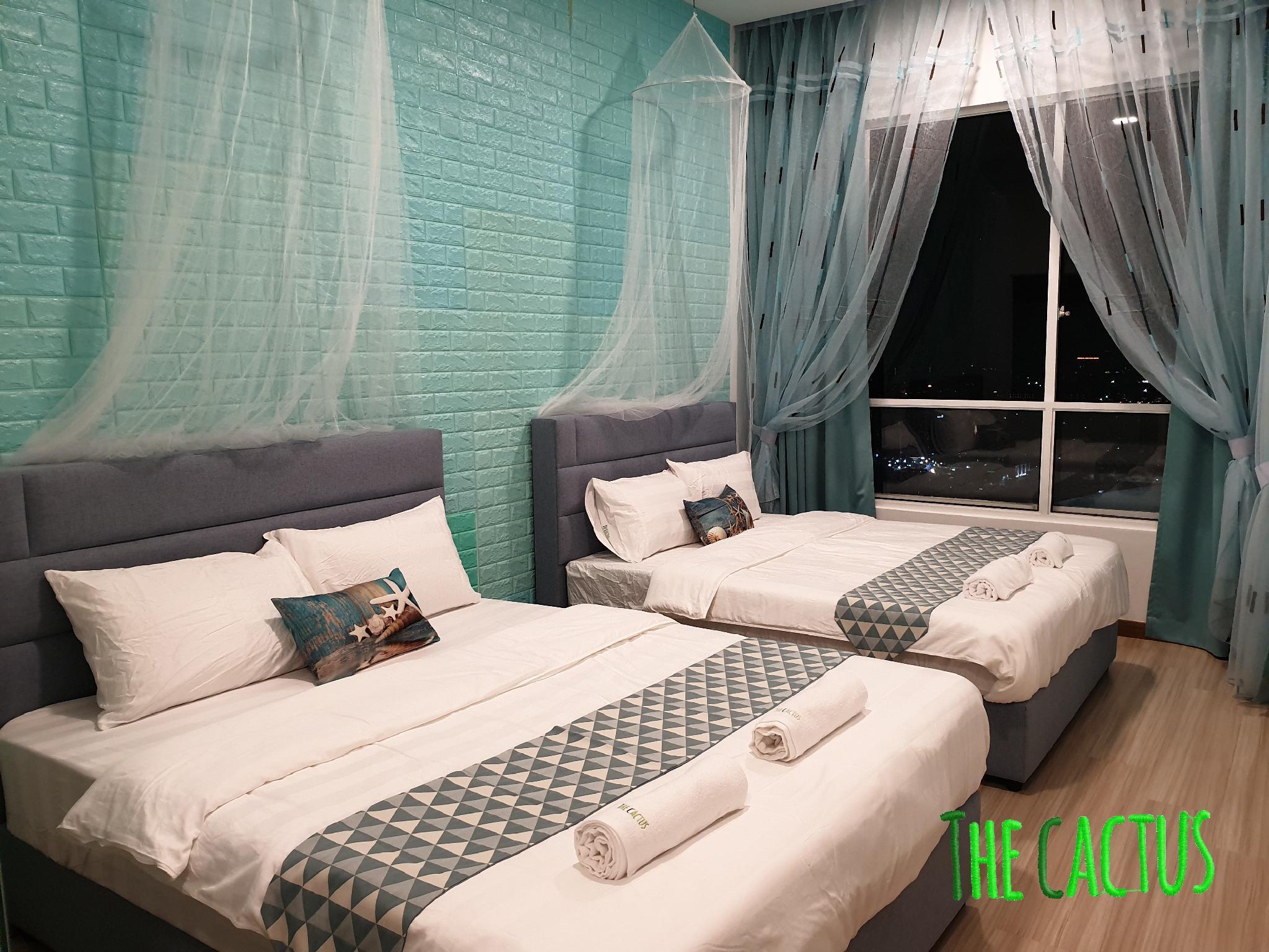 10 12pax Santorini EB3 Sea View Encore Melaka Wifi